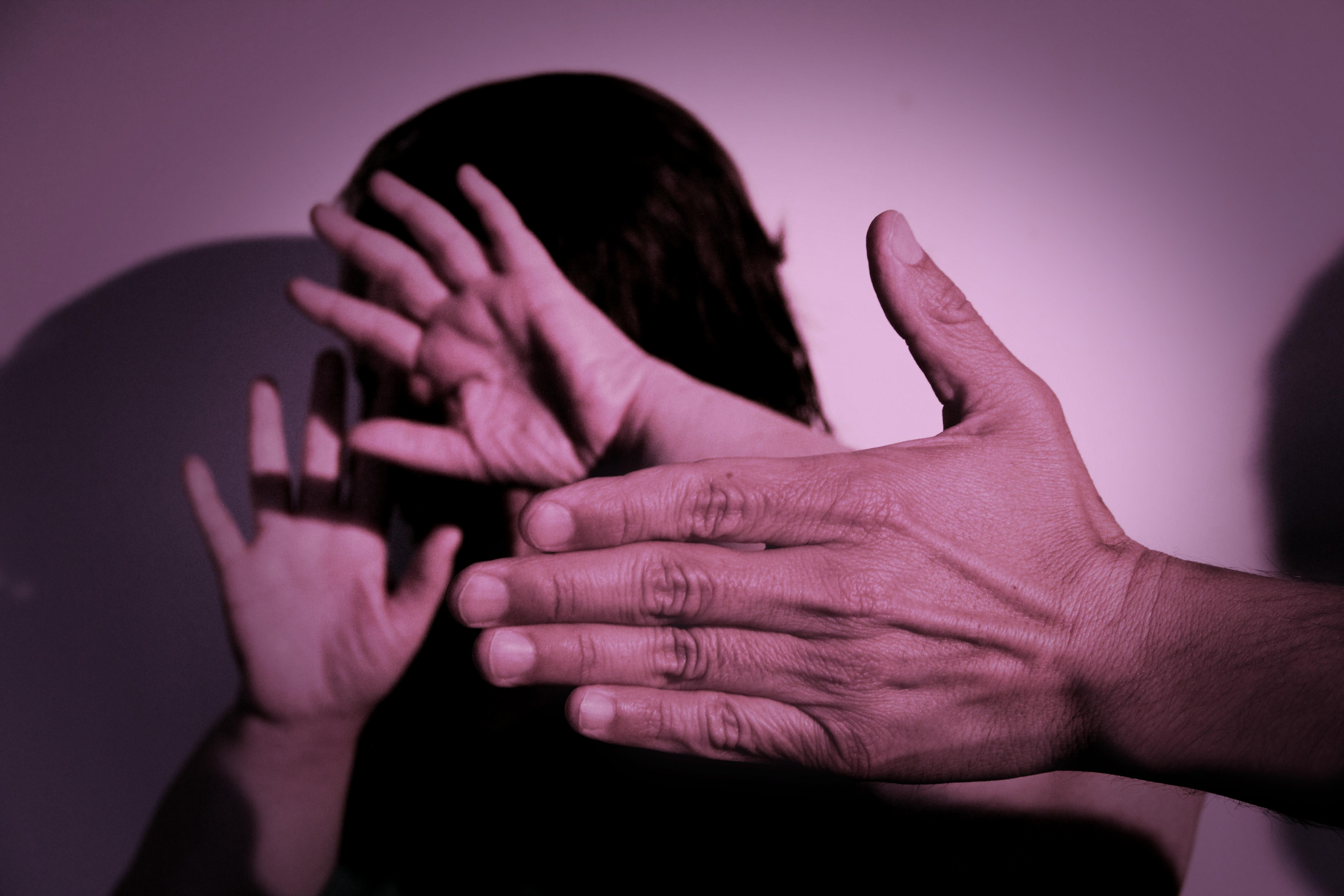 VIOLENCIA DE GÉNERO: PRISIÓN PREVENTIVA PARA UN HOMBRE ACUSADO DE VIOLACIÓN, GOLPES, AMENAZAS Y DESOBEDIENCIA